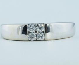 18ct Four Diamond Ring