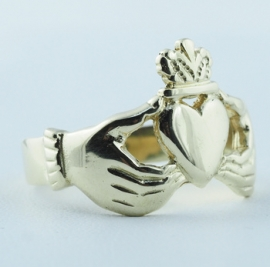 9ct Claddagh Ring