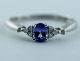 9ct Diamond & Tanzanite Ring