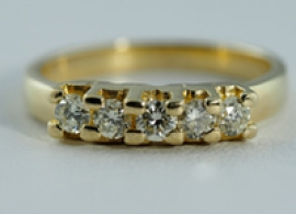 Five Stone 18ct Ring