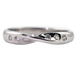 Platinum .09ct Diamond Set Shaped Band