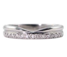 Platinum .10ct Diamond Set Shaped Band