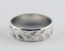 18ct Patterned Wedding Band