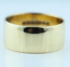 9ct 8mm Wedding Ring