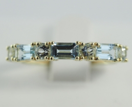 9ct Aquamarine Ring